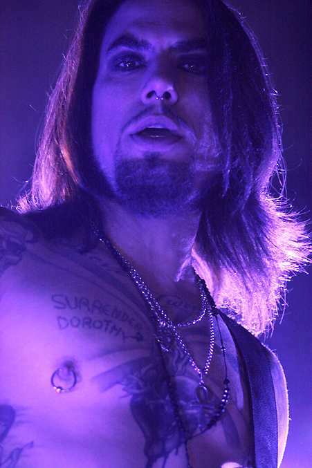 Dave Navarro, Jane's Addiction - pic by Mikala Taylor/backstagerider.com