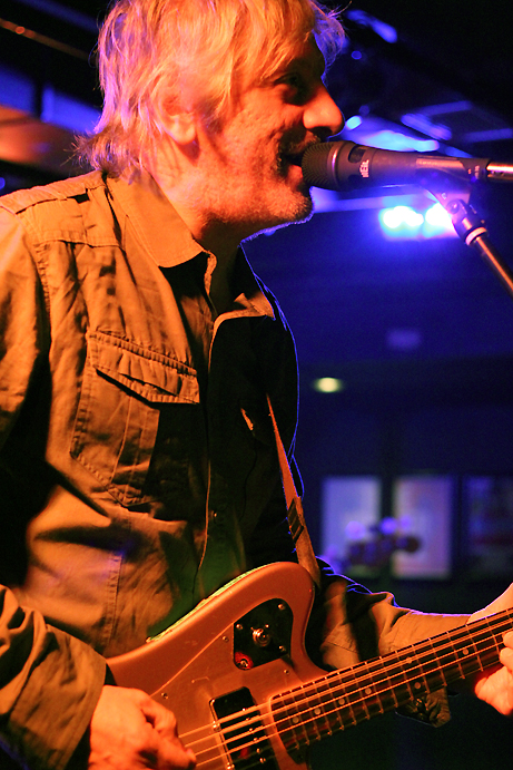 Lee Ranaldo, pic by Mikala F./BackstageRider.com
