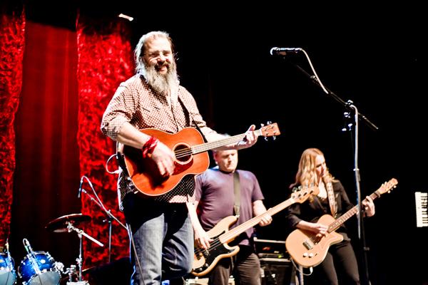Steve Earle, Kelly Looney, Alison Moorer, pic by Brittney Kwasney/BrightPhoto.ca