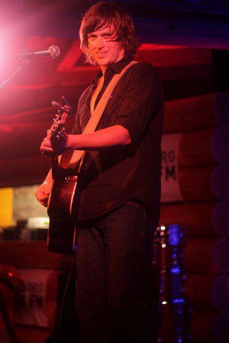 Rhett Miller, pic by Mikala Taylor/backstagerider.com