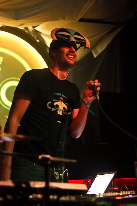 SBTRKT, pic by Mikala Taylor/backstagerider.com