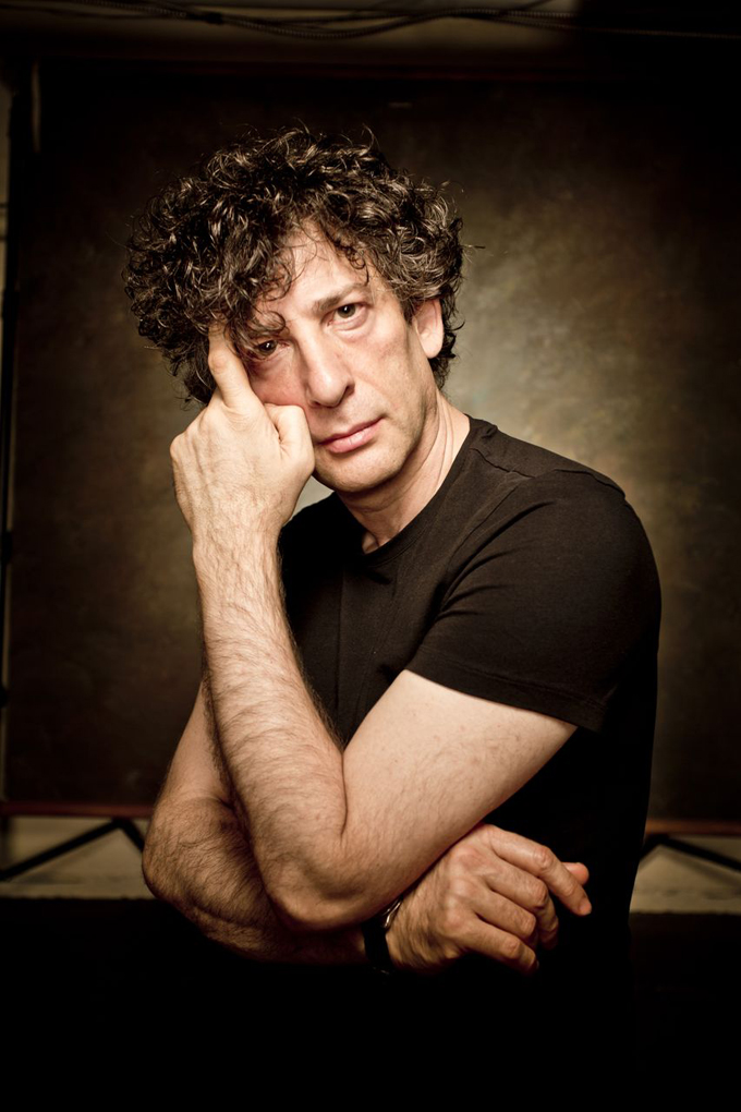 Neil Gaiman, photo by Wayne Höecherl for backstagerider.com