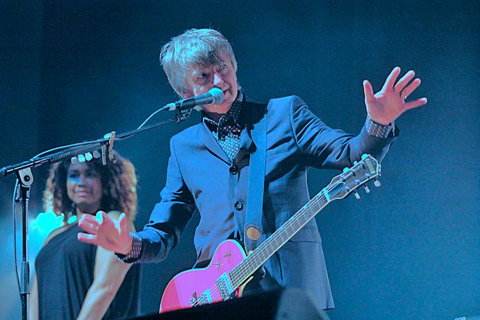 Neil Finn, pic by Mikala Folb/backstagerider.com