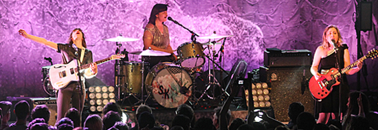 Post image of Gallery: All hail SLEATER-KINNEY. No, really. HAIL THEM.